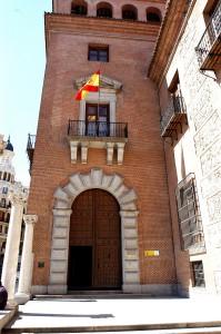 Entrada a la Casa de las Siete Chimeneas