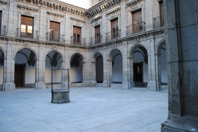 Instituto San Isidro-Claustro 2